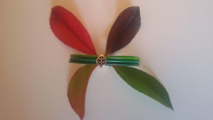 Sto arrivando…  (Firmato La Primavera) #foglia #leaf #primavera  #amis #amisjewels #braccialetto #cuoio #argento  http://www.amisjewels.it/