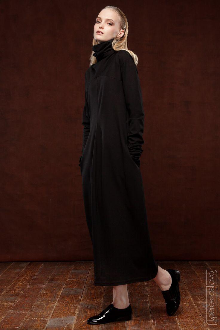 Черное платье из джерси - J.Perekriostova