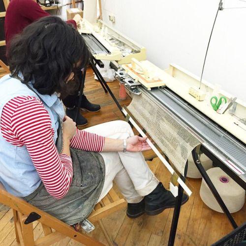 Teaching a #machineknitting class at the @textileartscenter Kordal Knitwear