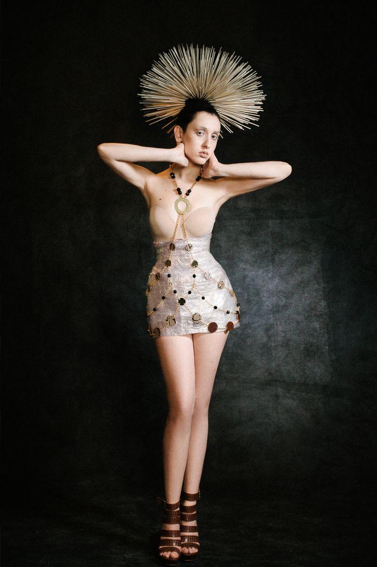 Strike a pose! Be unique and genuine! Wear your NIDIOSA body jewellery...find out more in www.cosettejewellery.com 📸 @constantinos_lepouris  Model: @monicanefeli  Styling : @anastasiosvelissaridis  Make up : @catgavx  Headpiece & props : @cosette.cosette.jewellery Team  #pose #jewelry #joyeria #schmuck #accessory #style #estilo #fashion #moda #handmade #greece #athens #genuine #deluxe #fresh #chic #fashionart #creative #fierce #boss #leather #24kplated #gold #cosettecosette #bodyjewelry