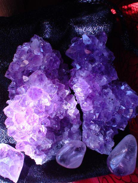 Amethyst rocks