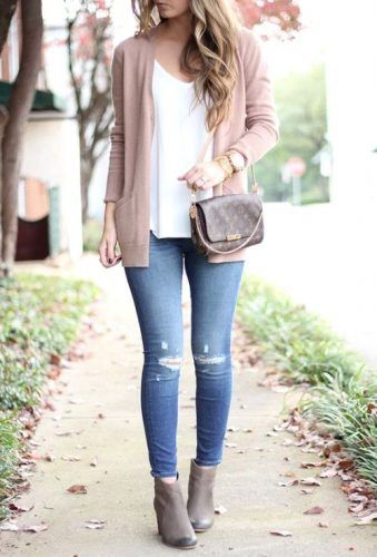 what to wear with pale pink cardigan