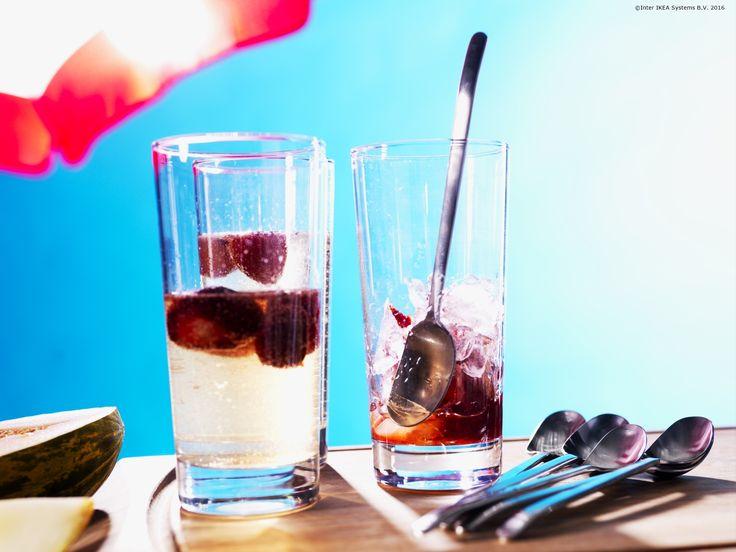 Fructele proaspete își găsesc locul în câteva băuturi răcoritoare, atunci când vine vara.