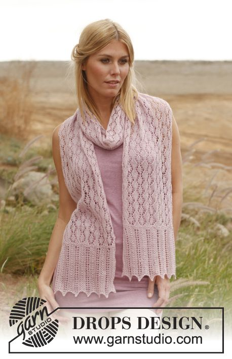 "Free Pattern Knitted DROPS scarf with lace pattern in ""Lace"""