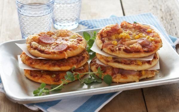 Oppskrift på Minipizza med maiskorn
