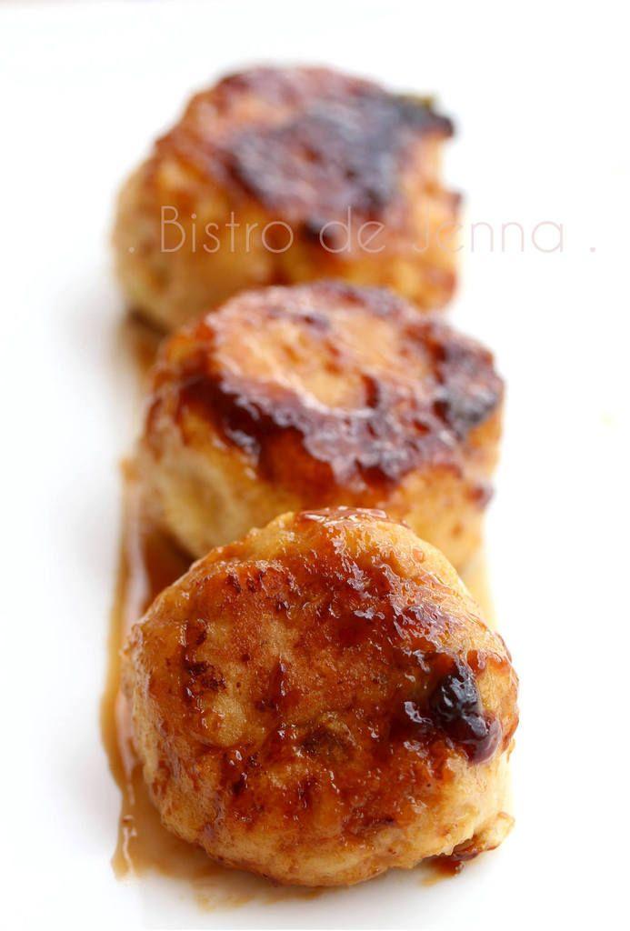 Tsukune - boulettes japonaise ༺༻ ༺༻ ༺༻ ༺༻༺༻ ༺༻༺༻ Ingrédients: (pour une trentaine de tsukune) 500 g de poulet haché 100 g de poireau 1 branche de céleri sans feuilles 2 oeuf 4 c.à.c d'huile de sésame 4-6 c.à.s de chapelure 2 c.à.s de gingembre frais râpé...