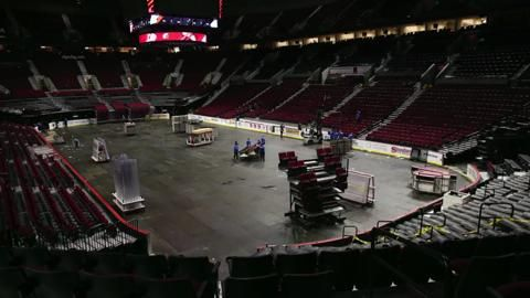 Watch: Moda Center time-lapse, from basketball court to ice hockey rink in 6 hours