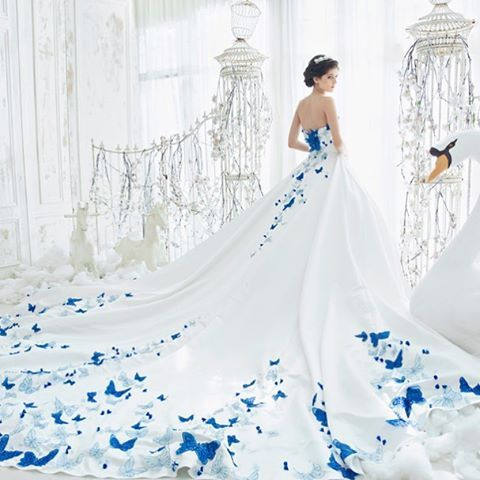 Best 25 exotic wedding ideas on pinterest wedding Wedding dress butterfly design