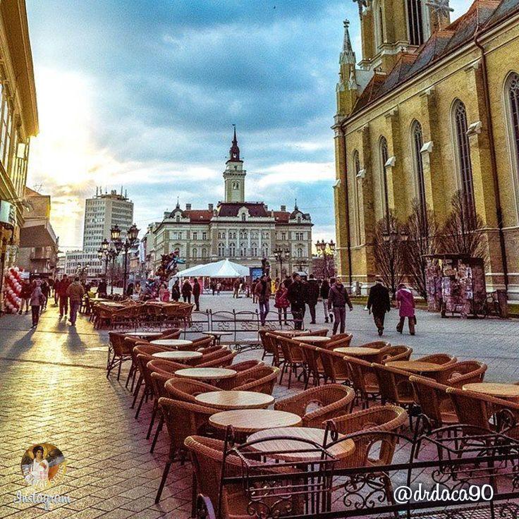 Just another peaceful afternoon in Novi Sad, Serbia.   Једно мирно после подне у Новом Саду.   Photo: drdaca90
