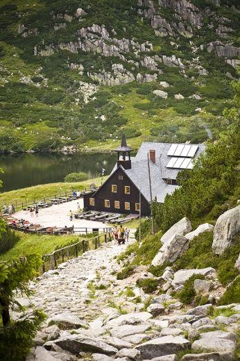 Tytuł zdjęcia: Schronisko Samotnia - jedno z najpiękniejszych w polskich górach Autor: Agnieszka Kalita