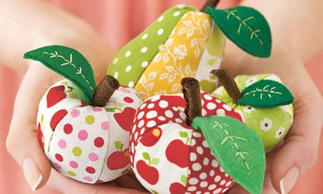 Perfect use for little fabric scraps: apple and pear pin cushions