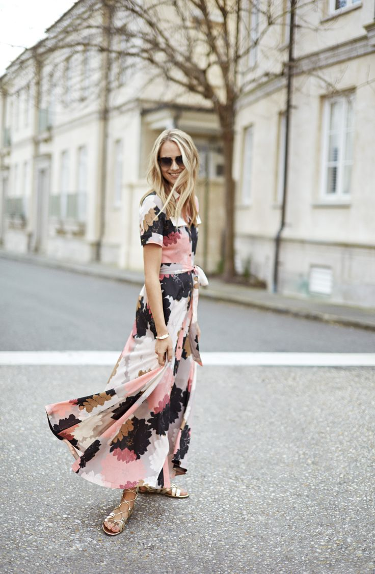Take a twirl into this season with our always flattering maxi dress banana republic