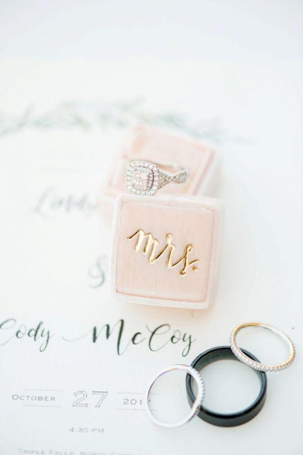 Velvet engagement ring box  #wedding #weddings #aislesociety #engaged #weddinginspiration #rusticwedding