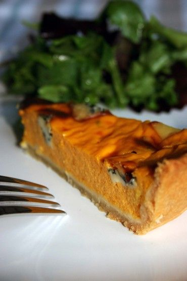 thepassionatecook: Pumpkin quiche with blue cheese & thyme