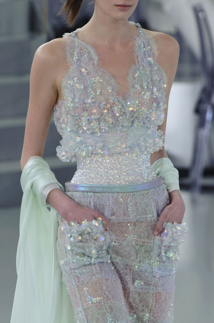 irredescent details.  CHANEL hc spring 2014.   (ph imaxtree|fashionwirepress)