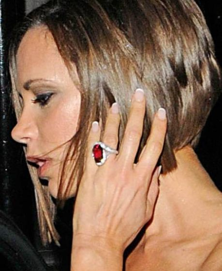 17 best images about victoria beckham and her 13 engagement rings on pinterest ruby engagement. Black Bedroom Furniture Sets. Home Design Ideas