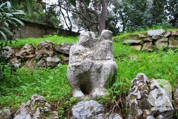Athens Sculptures, a blog with information on all the sculptures of the Athenian Capital. A great initiative from atenistas #sculpture#urbanhistory#art#athens#historicwalk