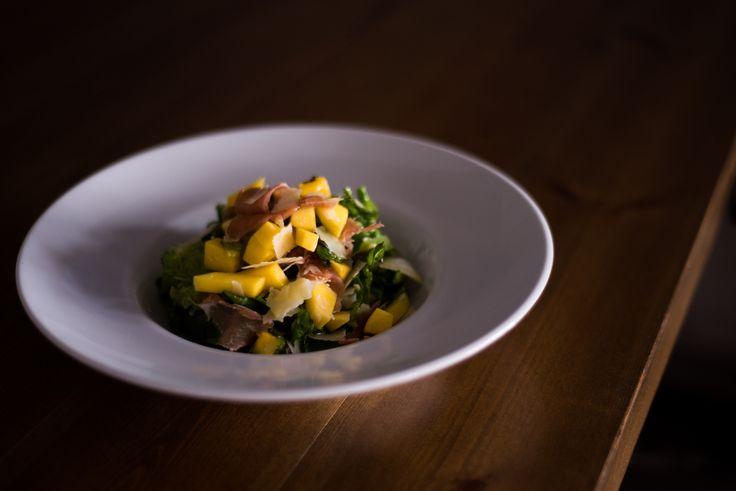 #fresh #salad #prosciutto #mango#sundayboutiquehotel #restaurant #food #greekfood