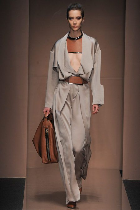 #f13 #fall #fashion #trend #women #RTW #runway #style #designer #GianfrancoFerre