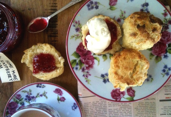 Easy morning scones - http://hometalk.homechoice.co.za/content/easy-morning-scones