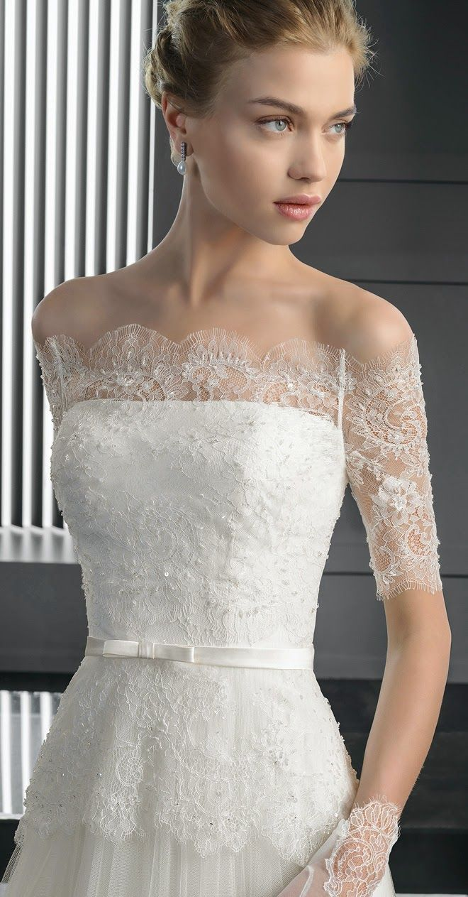 This lacy neckline. | Two by Rosa Clara