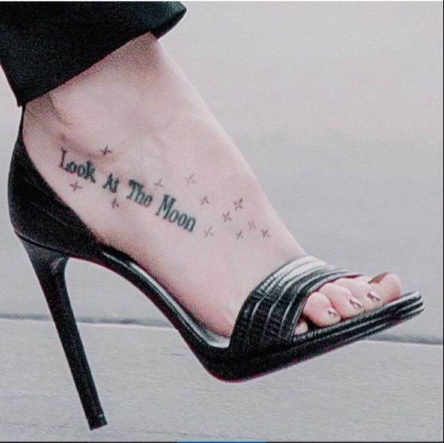 ed5cfd5db831e I love this tattoo and placement.   dakota   Dakota johnson tattoos, Dakota  johnson feet, Dakota johnson hair