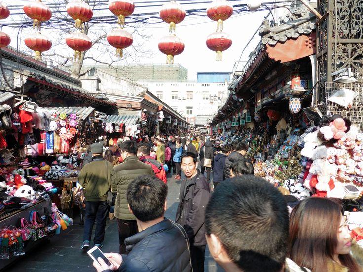 Peking. Markkinakatu lähellä Wangfujing-ostoskatua.