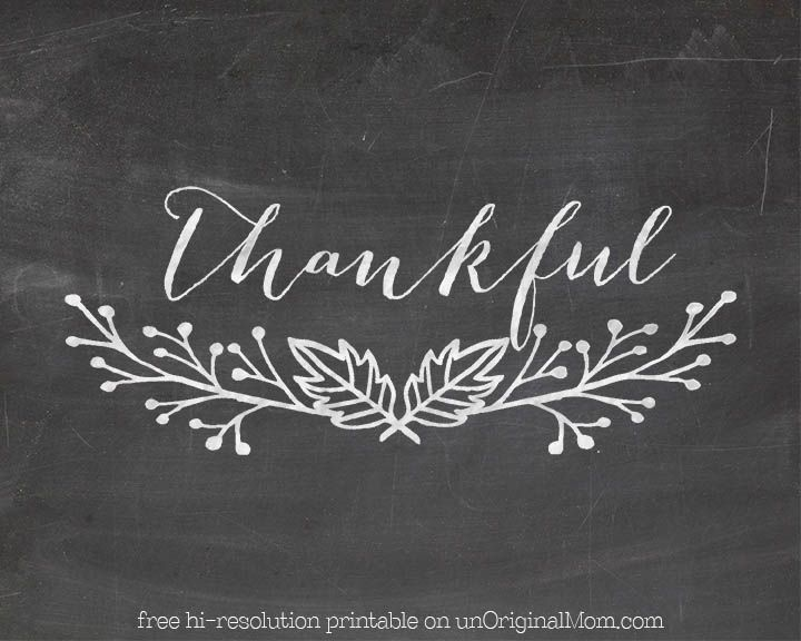 """Free """"Thankful"""" chalkboard printable - plus instructions on how to hand letter your own chalkboard art by tracing printed designs!"""