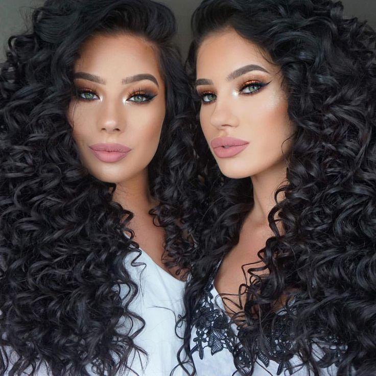 Long, curly black hair ringlets. LAURA BADURA @klaudiabadura twins