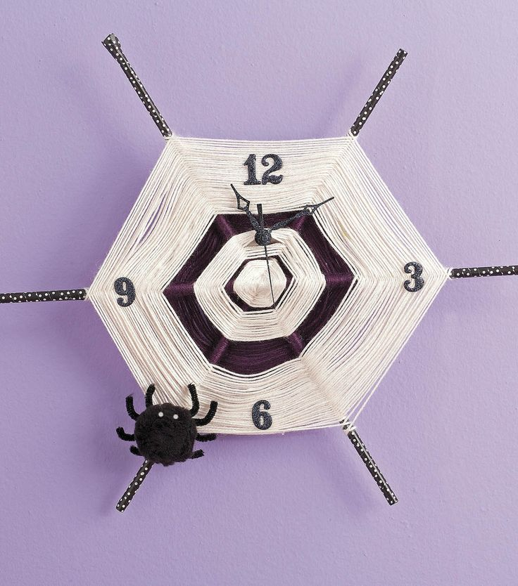This spider web clock would be so cute for Halloween decor!