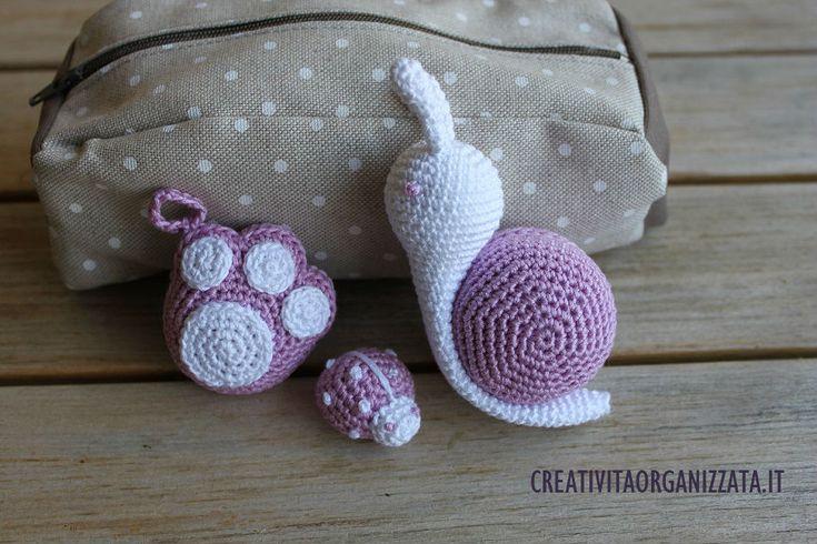 Mentre le brave blogger pubblicano tutorial dedicati ad Halloween io pubblico creazioni coccolose in rosa e bianco.