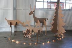 5 pés de altura Família de Natal do cartão cervos
