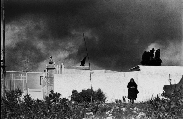 CEMETERY; ALGARVE, PORTUGAL   NEAL SLAVIN PHOTOGRAPHY