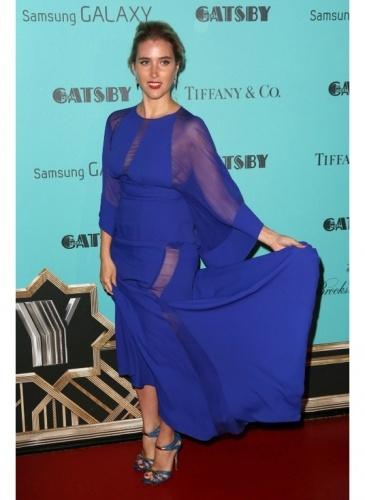 Vahina Giocante    Look de star Glamour    Vahina Giocante dans une superbe robe bleue à la soirée Gatsby le magnifique.