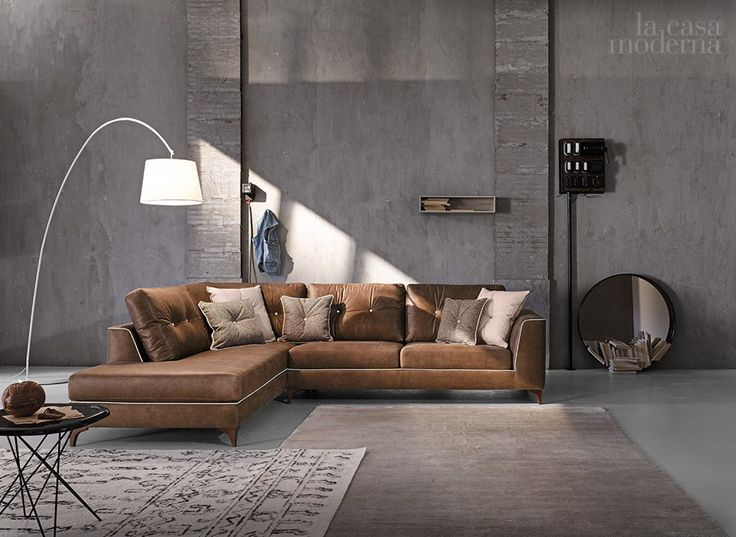 Un loft dall'anima Industrial ma dal cuore Vintage! #lacasamoderna #sofa #brown #loft #vintage #lamps #fashion #furniture #showroom #style #art #decor #pinterest