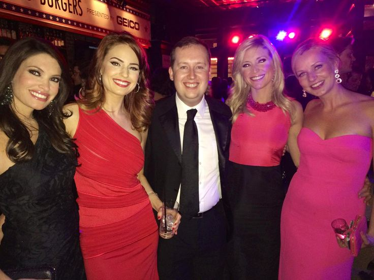 FOX girls = HOT. What an honor.  (with Heather Hughes, Kimberly Guilfoyle, Sandra Smith...) https://plus.google.com/u/0/+heatherhughes/posts