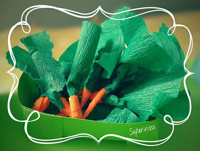 Thema markt -Marktkraam - supermarkt - wortel TECHNIEK: bakje vouwen kleuters -knutsel - markt - marktstal - marktkraam - groente en fruit - fruitkraam - groentekraam - crêpepapier