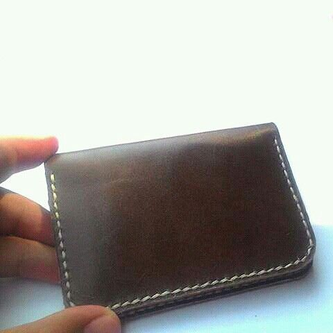 Leather card wallet of genuine leather.  Www.jualtaskulit.com +6285642717764  #leatherctaft #leatherwallet #wallet #card #cardwallet #dompetkulitpria #dompetkartukulit #genuineleather #handmade