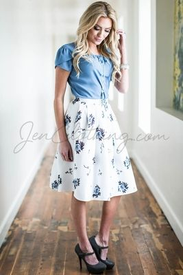 So crisp & fresh-looking! Love, love, love the contrast of the blue floral print against the bright white background! Looks amazing with that Denim Blue Chiffon Top!  Pleated Full Modest Skirt in White w/Blue Floral Print
