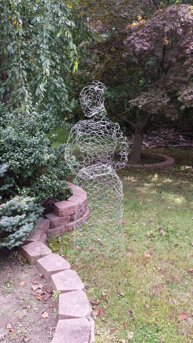 DIY chicken wire ghost.