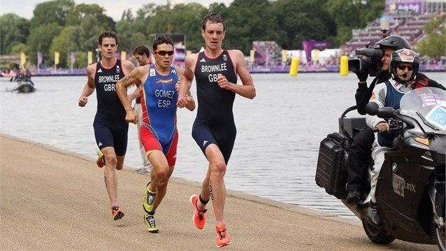 Alistair Brownlee leads in the run leg of Triathlon. Add Around The Rings on www.Twitter.com/AroundTheRings & www.Facebook.com/AroundTheRings for the latest info on the #Olympics.