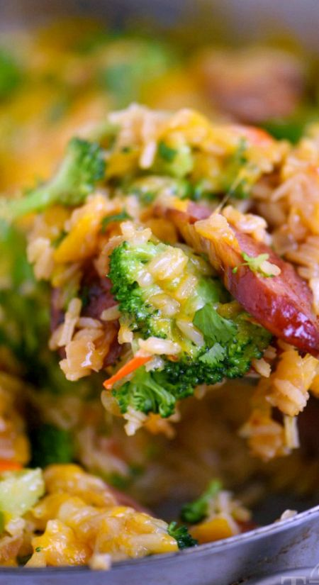 Cheesy Kielbasa, Rice and Broccoli Skillet ~ This easy skillet recipe comes together in a flash and is made in a single skillet for easy clean-up... Extra cheesy, and just bursting with flavor, it's a dinner recipe you'll find yourself making again and again.