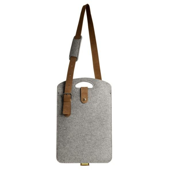 LAPP bag with leather strap - Boogie Design  Laptop bag made of natural woolen felt (100% wool) with long, adjustable strap of genuine leather. Inner pocket made of leather.