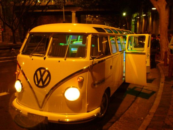 Stretch Kombi Van #Sydney #vividsydney #Australia #travel That's being a hippy in style! http://ow.ly/VYex