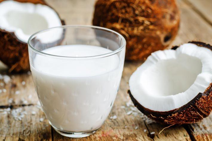 Latte di Cocco: Proprietà, Benefici per la Salute, Usi, Effetti Indesiderati >>> http://www.piuvivi.com/alimentazione/latte-di-cocco-benefici-proprieta-salutari-usi-effetti-indesiderati.html <<<
