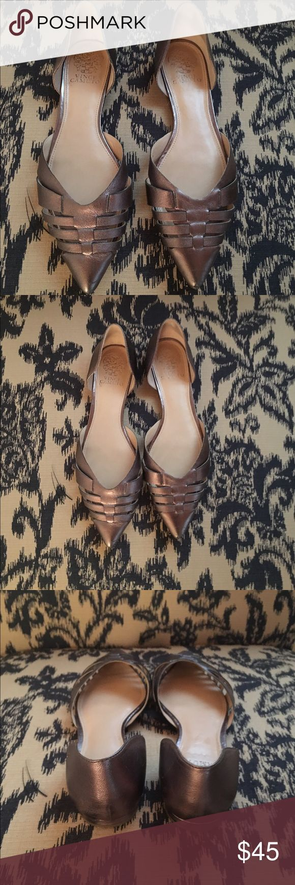Vince Camuto Metalic Flats Size 9 Size 9 metallic flats with detailed pointed toe. Amazing condition, worn twice! Vince Camuto Shoes Flats & Loafers