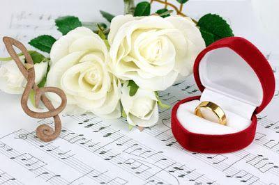 Zeropromosi  - Setelah sebelumnya kami memposting 20 lagu romantis yang bisa Anda pilih untuk wedding song pernikahan Anda (lihat disini), sekarang kami akan menampilkan daftar lirik dari lagu romantis yang cocok dinyanyikan saat momen pernikahan Anda