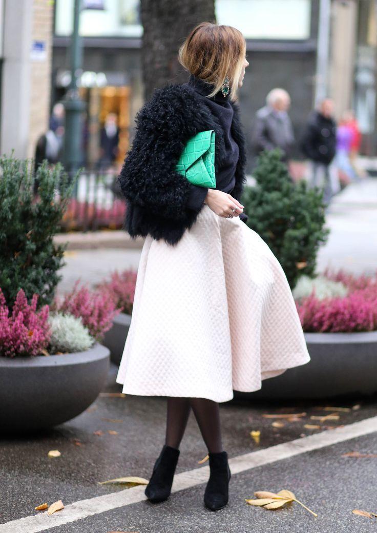 big skirts and pointy boots www.fashionjunkiie.com