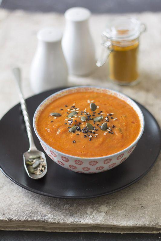 Zuppa di pomodoro alla curcuma - Turmeric tomato soup