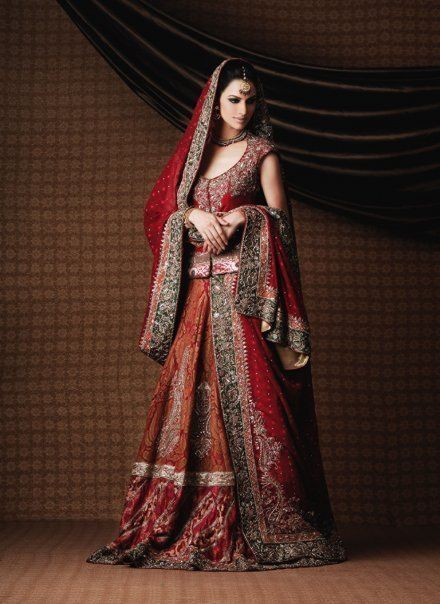 30+Designer+Bridal+Wedding+Lehengas+